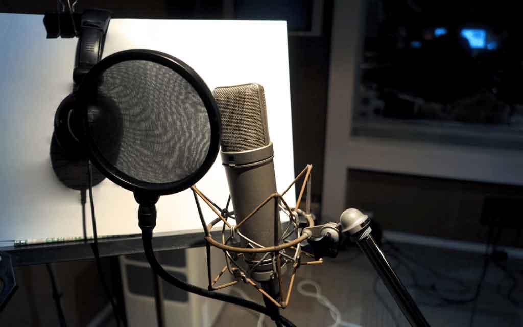 میکروفون چگونه کار می کند ؟